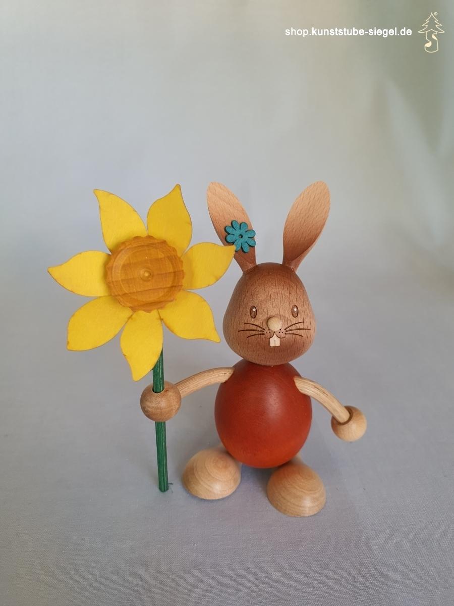 Kuhnert Stupsi Hase mit Blume