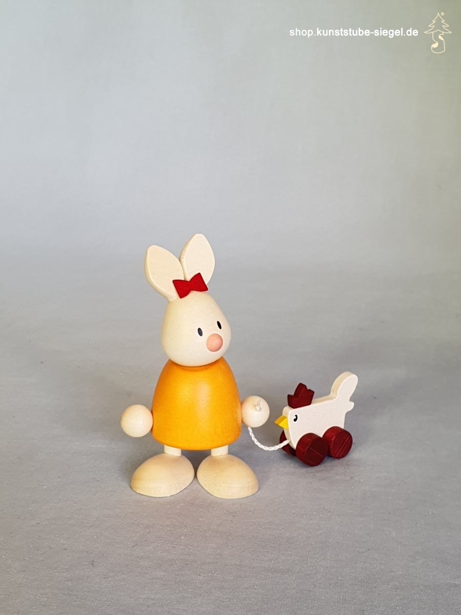 Hobler Hase Emma mit Huhn