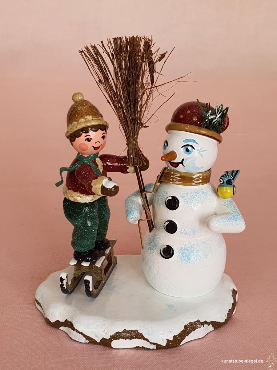 Hubrig Junge mit Schneemann Winterkinder