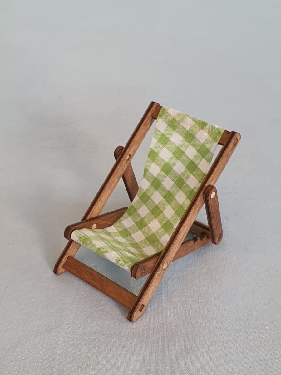 kuhnert-liegestuhl-fuer-minieulen