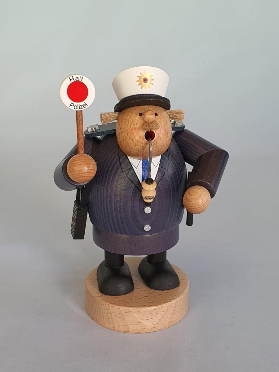 kwo-polizist-raeuchermann