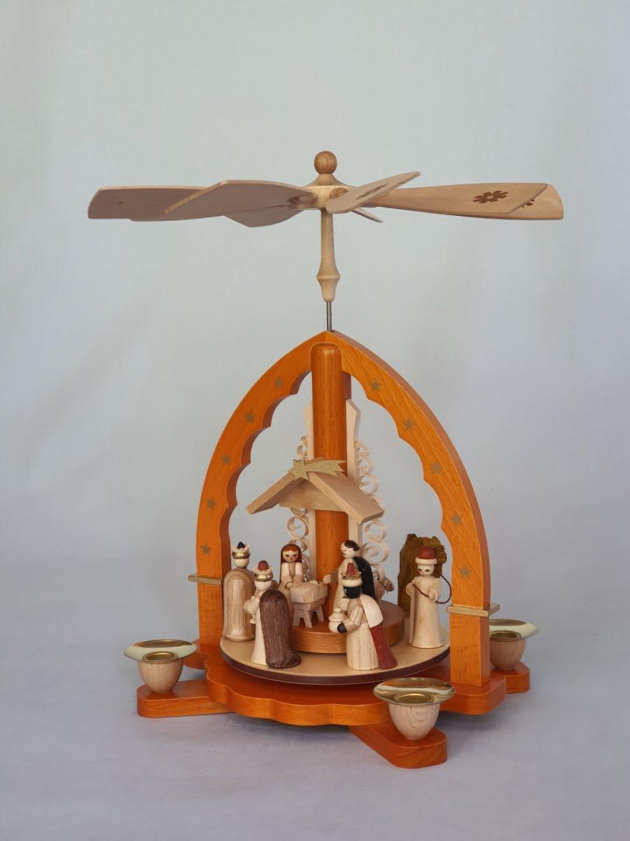 richard-glaesser-pyramide-christi-geburt